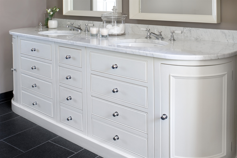 Neptune Chichester Curved Door Base Cabinet
